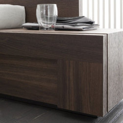 """Rossetto USA - Air 1 Drawer Right Door Nightstand - Pure form and color create harmonious living space that respects the intimacy of home life. Features: -Air collection. -1 Year warranty. Dimensions: -12"""" H x 22"""" W x 18"""" D, 44 lbs."""