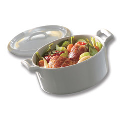 Revol - Revol Porcelain Belle Cuisine Cocotte with Lid - For all your comfort food needs, this white porcelain cocotte was designed with your comfort in mind. That's why its classic design can withstand ovens, freezers, microwaves and dishwashers.