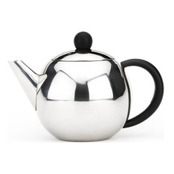 Cuisinox - 28 oz Teapot with infuser - This beautifully designed teapot comes with a stainless steel infuser basket which gives you the option of using tea leaves, tisanes, or teabags. The infuser basket facilitates the removal of the tea bag or tea leaves. It has a black easy grip handle and cover knob.