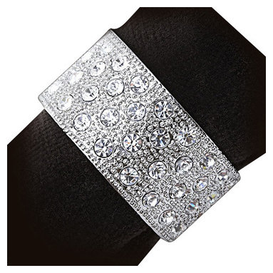 L'Objet - L'Objet White Swarovski Crystals on Platinum Round Band Napkin Rings, Set/4 - L'Objet is best known for using ancient design techniques to create timeless, yet decidedly modern serveware, dishes, home decor and gifts. heir elegance and charm. Platinum Plated Napkin Rings Swarovski Crystals in White. All ring sets are presented in a luxury gift box. Set of Four. Attention to detail is often what distinguishes any presentation from beautiful to memorable. These napkin jewels will enrich any decor with their distinguishable handcrafted details.