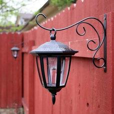 Gardening/Backyard / MUST DO! Dollar store solar lights on plant hook - LOVE thi