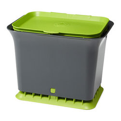 Fresh Air Compost Collector - Say goodbye to smells and fruit flies with the odor-resistant Fresh Air Compost Collector.