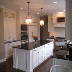 traditional kitchen Main Line Kitchen