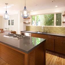 Modern Kitchen by OKB Architecture