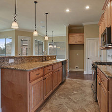 Traditional Kitchen by Jenkins Homes Inc.