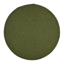 Safavieh - Braided Braided Round 6' Round Green Area Rug - The Braided area rug Collection offers an affordable assortment of Braided stylings. Braided features a blend of natural Green color. Handmade of Polypropylene the Braided Collection is an intriguing compliment to any decor.