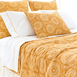 Pine Cone Hill - Pine Cone Hill Uma Resist Gold Quilt - Here Comes the SunAdd some sunny style to your bedroom with Pine Cone Hill's Uma Resist Gold Quilt. Crafted from fine cotton fabric, this hip blanket features two beautiful sides so you can switch up your look in a flash. A graphic, sun print on one side is cheerful and bright in golden yellow, while the reverse is eclectic and fun in a botanical print. Use it to give your bed a jolt of color, or let it add some worldly style to your space.Double-sided blanketAvailable in three sizes