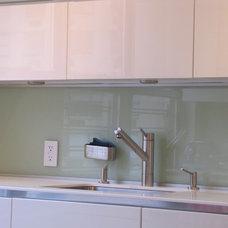 Modern Kitchen by Modiani Kitchens
