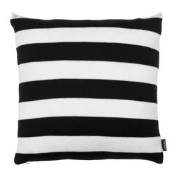 Louise Roe Design Essentials - Black/White Stripes Cashwool Pillow - Who ever gets tired of black and white? This is a knitted pillow in 100% cashwool by Danish designer Louise Roe. Get the throw to match and you have a wonderful set that is also great as a gift.