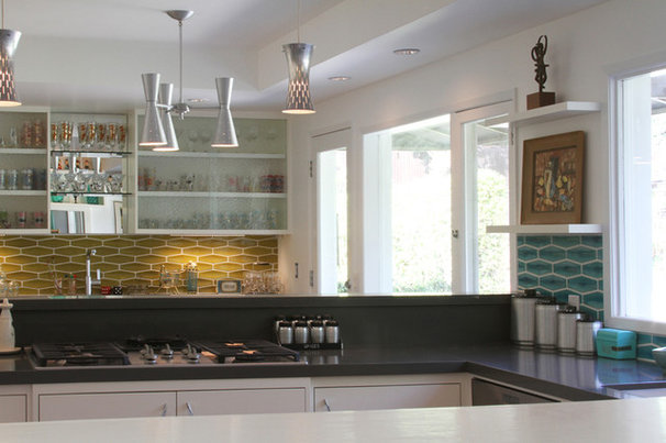 Midcentury Kitchen by Design Vidal