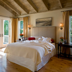LInens for 38 Spatial St. Helena cottage - Tara Arrowood photographed this beautiful cottage designed by 38 Spatial.