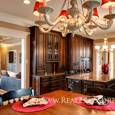 Kitchen by Shannon Williams Photography