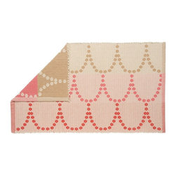 Danica Studio - Bijou Jacquard Mat - This cotton jacquard bath mat's soft colors and lovely pattern will give your powder room a certain je ne sais quoi. With such a universally appealing design, this bath mat can fit in you home with a contemporary feel or even an old-world appeal. You can also flip it over to switch up your look, because it's reversible.