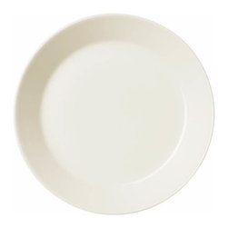 Iittala - Teema Bread And Butter Plate White - No table setting is complete without bread and butter plates. Your table will look polished and modern with these wide-edged dishes. They make for a fresh take on a classic table setting.
