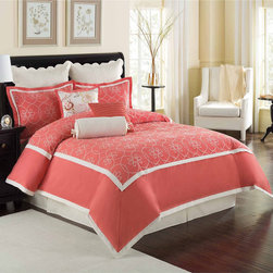 CW - Colonial Williamsburg Ariana 4-piece Comforter Set - This beautiful bedding will enhance any decor. Made of quality material,this bedding is durable as well as stylish.