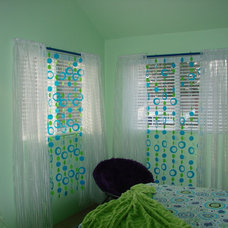 Traditional Kids by Walls  too Windows, Interior Design