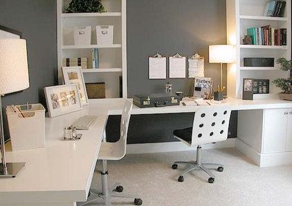 Modern Desks by Dayoris Custom Woodwork