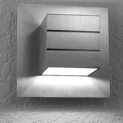 LumenArt - AWL 13.1 wall sconce - The AWL 13 wall sconce from the Alume series has been designed and manufactured for LumenArt. Micro brushed with clear coat after fabrication before assembly. Made of machined aluminum with stainless steel fasteners.