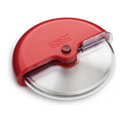 Joseph Joseph - Scoot Pizza Wheel, Red - Divide up pizzas, sandwiches and pastries effortlessly with this handy utensil. Push the button and the blade guard automatically slides open, exposing the bevelled, stainless-steel blade. Simply roll the cutting wheel across, or through, food to cut. The design is comfortable to hold, gives more control when cutting and requires less effort than knives or conventional pizza cutters.