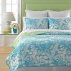 Martha Stewart Collection Paradise Palm Quilt - Sigh. I can smell the ocean just looking at this bedding from the Martha Stewart collection at Macy's.