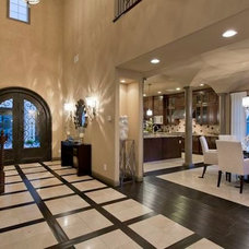 Traditional Entry by Luxury-Designer