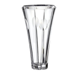 Gorham - Gorham Hartfield Crystal Vase - Standing an impressive 12 inches high, this elegant Hartfield crystal vase by Gorham makes a dramatic showpiece with or without flowers.
