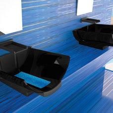 Modern Bathroom by maestrobath