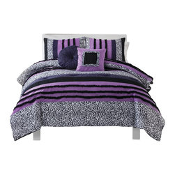 Pem America - 17 Kelseys Dream Full / Queen Comforter With 2 Shams - Fun black and white pattern with pieced highlights. Twin comforter is 66x86 inches with 20x26 inch sham. 100% Polyester face and filling. Machine washable.