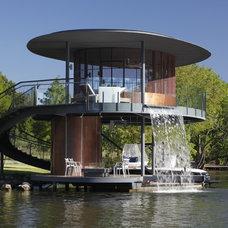 Modern  Shore Vista Oval Waterfall Boatdock