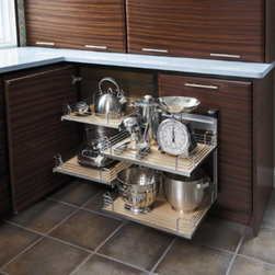 Getting Organized with Fieldstone Cabinetry - Chrome Trimed Pot & Pan Full Slide Pull Outs.