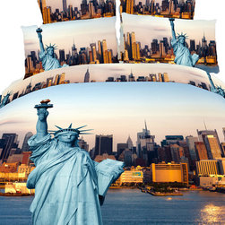 Dolce Mela - Statue of Liberty, Cotton 6 Piece Bedding Duvet Cover Sheet Set by Dolce Mela, K - Wake up to the energy of the greatest city scenery and get inspired with the hope that radiates from the picture of Statute of Liberty.