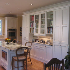 Traditional Kitchen Cabinetry by Amy Shelton