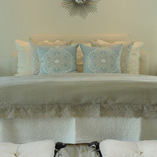 Traditional Bedding by DTM INTERIORS