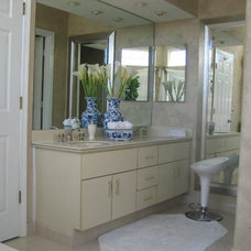 Contemporary Bathroom by ALLURE INTERIORS, Connie Sloma, Allied ASID