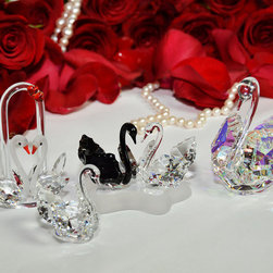 """Crystal Gifts 'With Love"""" - Bohemian crystal swans"""