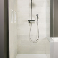 Modern Showers by WETSTYLE
