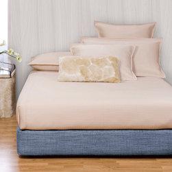 Howard Elliott - Coco Sapphire Platform Bedroom Set (Kit and Cover) - Choose Size: Full