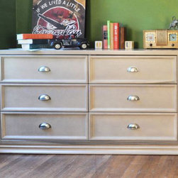 Franklin & Ben - Mason Double Wide Dresser, Weathered Grey - Majestic and poised, the period-inspired Mason Double Wide Dresser lends elegance to any nursery. Every detail was finessed to create the perfect level of flair, from the sturdy dovetail drawers to the intricate metal accents.