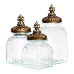 ecWorld - Casa Cortes Rococo Revival Fleur De Lis 3-Piece Glass Canister Set - Gold Lid - Transform your kitchen with these smart canisters that bring new life to snacks, ingredients and other cooking essentials by trapping in freshness and keeping out moisture and air. These glass canisters come in three sizes, each with a wide mouth and tight-fitting lid, making them versatile and indispensable in the kitchen.