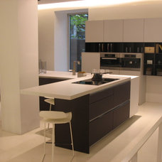 Modern Kitchen Cabinetry by Matias Stefanoni