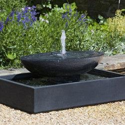 Recife Garden Fountain - Weight : 377.00 lbs.