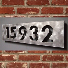 Contemporary House Numbers by Moda Industria
