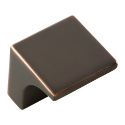 Hickory Hardware - Swoop Oil-Rubbed Bronze Cabinet Knob - Bridges contemporary and traditional design. Offering a deep rooted sense of history in some, with an updated feel and cleaner lines.