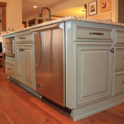 Fieldstone Cabinetry Remodel - This 1970s home was remodeled in stunning fashion with Fieldstone ...