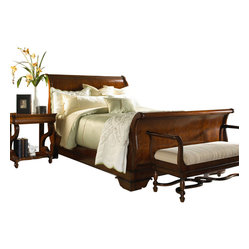 Louis Philippe Classics Sleigh Bed with Platform Footboard