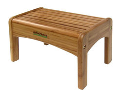 Growing Up Green Bamboo Wood Step Stool - Step stools are a staple in the home when you have kids. Use one in the bathroom and the kitchen. I know because I have stools all over the house for my little one. This one is made of 100 percent bamboo.