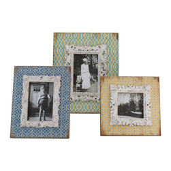Selectives - Margaery Distressed Picture Frames, Set of 3 - This is amazingly beautiful set of 3 distressed picture frames in a shabby chic finish which holds 4 x 4 and 4 x 6 pictures.