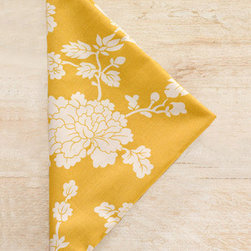 Pine Cone Hill Madeline Gold Napkin Set of 4 - I love a bright and cheery napkin! What an instant way to light up a table, indoor or out. The modern floral outline is refreshing and pretty and the bright color pairs nicely with a spring or summer palette.