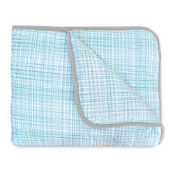 OLLI+LIME - HATCH CRIB QUILT - Soft cotton crib quilt in nature-inspired pool Hatch design. Contrasting piping and logo detail. Polyfill insert.