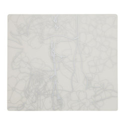 Modern-twist - Placemat - Floral, Silver - Made from hand silk-screened, food-grade silicone, the Modern-twist placemat is available in botanical, nature-inspired and other beautiful patterns. Easy-to-clean, non-porous, germ-free surface.